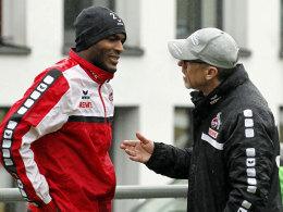 Klares Gespräch: FC-Torjäger Anthony Modetse und Trainer Peter Stöger.
