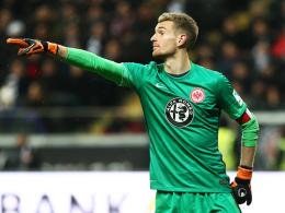 Freut sich auf das ausverkaufte Stadion gegen Darmstadt: Frankfurts Torhüter Lukas Hradecky.