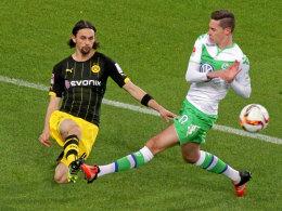 Dortmunds Neven Subotic, hier gegen Wolfsburgs Julian Draxler.
