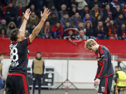 Leverkusens Probleme: Gl�cksspiel unter freiem Himmel