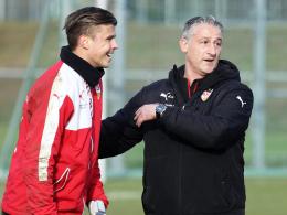 Der VfB-Trainer hat eine Alternative mehr: Stuttgarts Torhüter Mitchell Langerak greift zur Rückrunde an.
