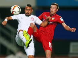 Blieb bei seinem Debüt für den VfB Stuttgart unauffällig: Kevin Großkreutz (re., hier gegen Sezer Badur).