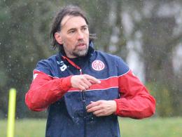 "Winterwetter statt ""Frühlingsgefühle"": Der Mainzer Chefcoach Martin Schmidt."