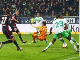 Der Schlusspunkt: Meier macht mit seinem dritten Tor für Frankfurt alles klar.