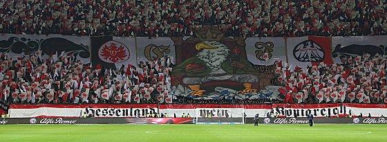 Choreographie der Frankfurter Fans