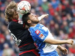 Eine harte Nuss: Hoffenheim hatte, wie im Bild Volland (re.) gegen Jedvaj, bisher gegen Leverkusen wenig zu bestellen.