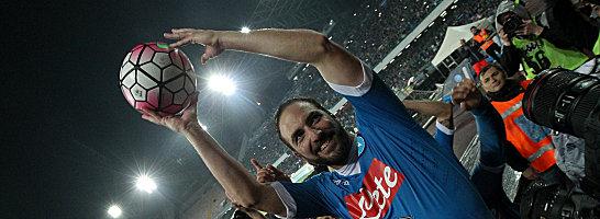 Soll laut Medienberichten bei Juventus Turin unterschrieben haben: Napoli-Torj�ger Gonzalo Higuain.