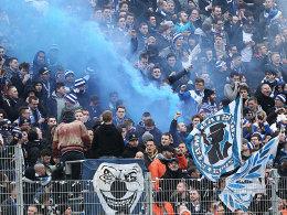 Hertha-Fans lassen es rauchen