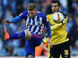 Tritt vorbei: Berlins Weiser gegen Dortmunds Mkhitaryan.
