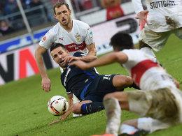 Gut abgeschirmt von den Stuttgartern: Hertha-Torjäger Vedad Ibisevic.