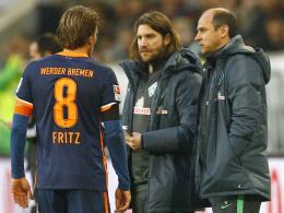 Sichert nur Kapitän Clemens Fritz (li.) den Stammplatz zu: Werder-Coach Viktor Skripnik (re.).