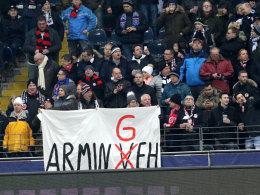 Fanplakat von Eintracht-Fans beim Spiel gegen den HSV