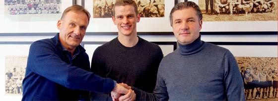 Einig in allen Punkten: BVB-Boss Hans-Joachim Watzke, Sven Bender und Manager Michael Zorc.