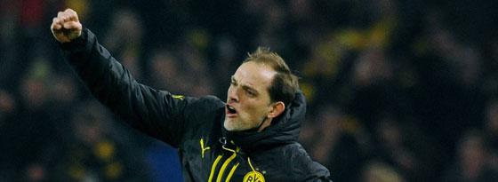 """Jubelsprung nach einem """"super wichtigen Sieg"""": BVB-Trainer Thomas Tuchel."""