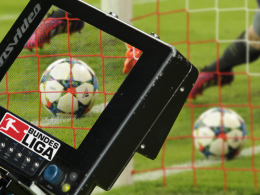 DFB und DFL wollen ab der kommenden Saison einen Videoschiedsrichter ausprobieren.