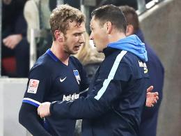 """""""Lusti ist mein Kapitän"""": Herthas Trainer Pal Dardai sieht Fabian Lustenberger (li.) nicht zurückversetzt."""