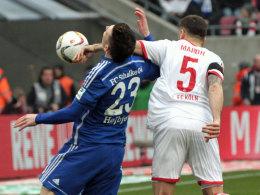 Kölns Maroh greift dem Schalker Höjbjerg ins Gesicht - Elfmeter.