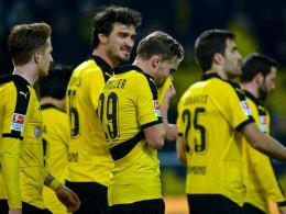 Betroffene Borussen: Den Dortmundern war nach dem Schlusspfiff nicht zum Feiern zumute.