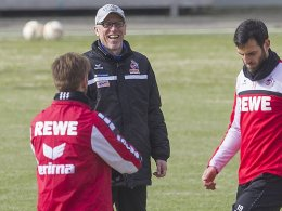 Verlangt Lockerheit und lebt sie vor: FC-Trainer Peter Stöger.