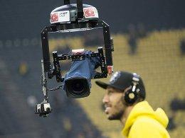 Wer darf wann, was übertragen? Die TV-Rechte sollen vor der EM vergeben werden.