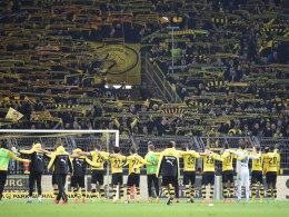 Fans und Profis von Borussia Dortmund am Sonntag