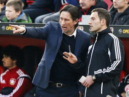 Sah erneut viel Gesprächsbedarf: Leverkusens Trainer Roger Schmidt (li.).