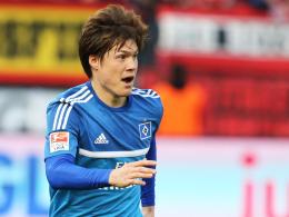 Echter Teamplayer: Hamburgs Gotoku Sakai entschuldigte sich bei Dennis Diekmeier.