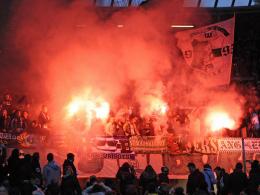Auf dieses Fehlverhalten einiger Fans im Spiel gegen Hannover hat der VfL Wolfsburg nun reagiert und Maßnahmen getroffen.