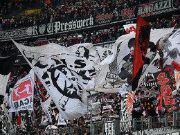 D�rfen nun doch nach Darmstadt reisen: SGE-Fans.