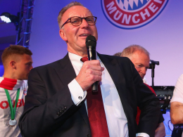 Rummenigge verl�ngert beim FC Bayern bis 2019