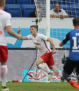 Schlusspunkt in Sinsheim: Sabitzer markiert das 2:2 f�r Leipzig.