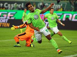 Da war noch alles gut: Wolfsburgs Daniel Didavi jubelt über sein zwischenzeitliches 1:2 gegen den BVB.