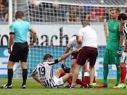 Ungewohnte Lücken in der Defensive - Abraham verletzt