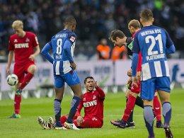 Schmerzhaft: Leonardo Bittencourt verletzt am Boden.