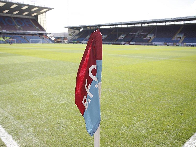 Testspiel zwischen FC Burnley und Hannover 96 abgebrochen
