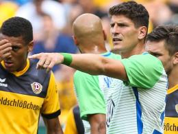 Jonker gibt Gomez die Binde