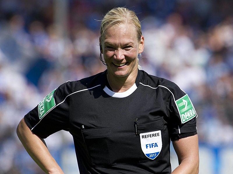 Bibiana Steinhaus nach Bundesliga-Debüt