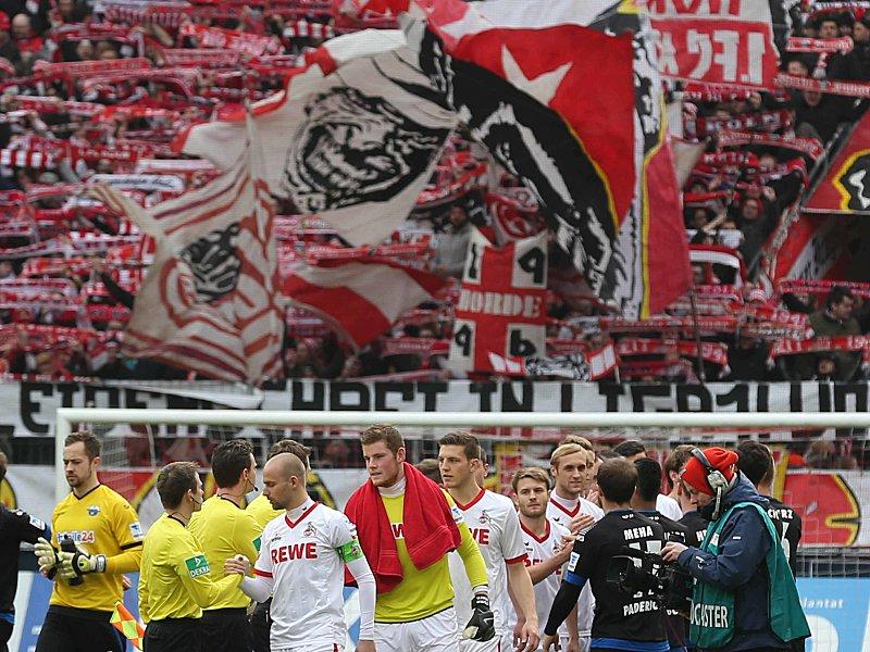 Böllerwurf kostet Fan mehr als 20 000 Euro