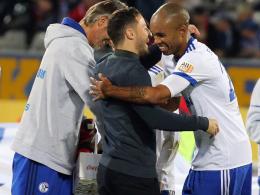 LIVE! Schalke offensiv: McKennie köpft knapp vorbei