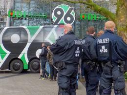 Hannover 96 schließt 36 Mitglieder aus