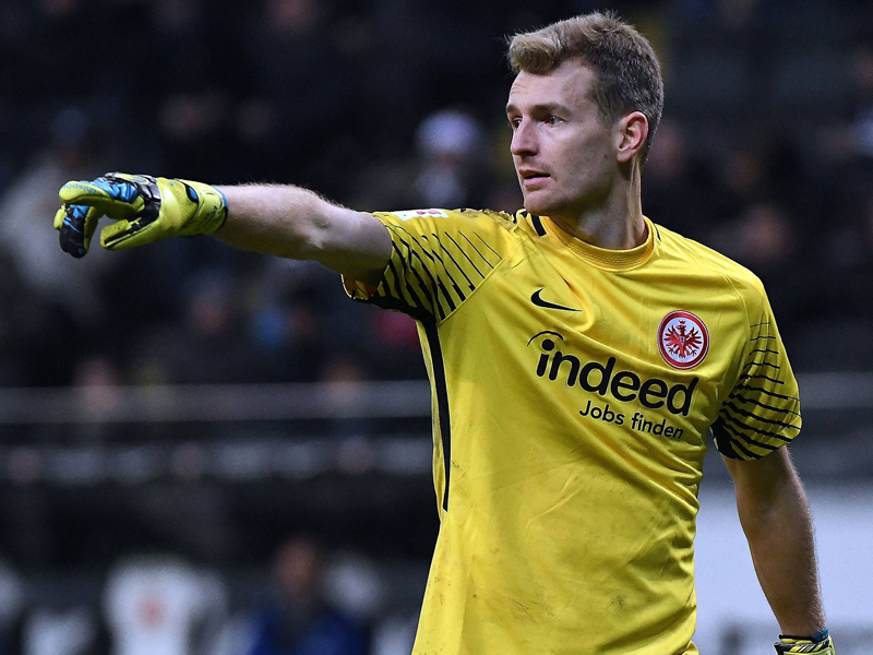 lukas hradecky torh ter von eintracht frankfurt fordert wir m ssen kl ger sein bundesliga. Black Bedroom Furniture Sets. Home Design Ideas