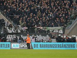 DFB ermittelt nach Fahnenklau gegen Köln - Kritik an Podolski