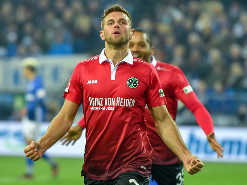 Schalke schafft gegen Hannover nur ein Unentschieden