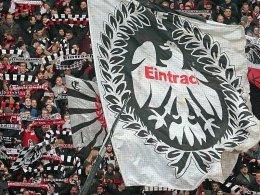 Papier und Pyro: Eintracht muss 75.000 Euro bezahlen