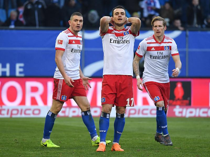 VfB Stuttgart führt beim 1. FC Köln