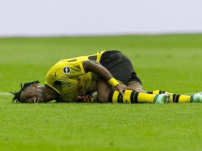 Droht ein Ausfall? BVB-Stürmer Batshuayi mit Beinverletzung ins Krankenhaus