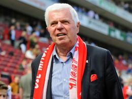 Spinner bleibt FC-Präsident - und kritisiert