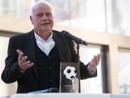 Fußball-Botschafter: Pfister, Engels und Karius ausgezeichnet