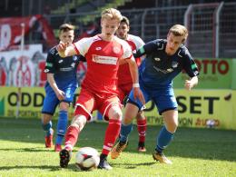 Mit 17 Jahren: Burkardt wird Mainz-Profi