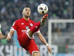 Gegen den HSV: Wer passt am besten zu Latza?